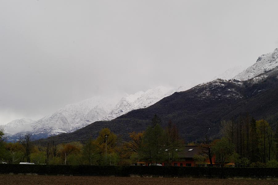 Neve Sui Monti Del Verbano 19 4 04